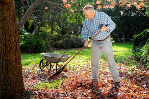 HOW TO PREP YOUR LAWN AND GARDEN FOR AUTUMN