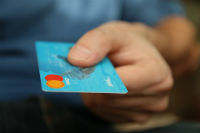 5 COMMON CREDIT CARD MYTHS